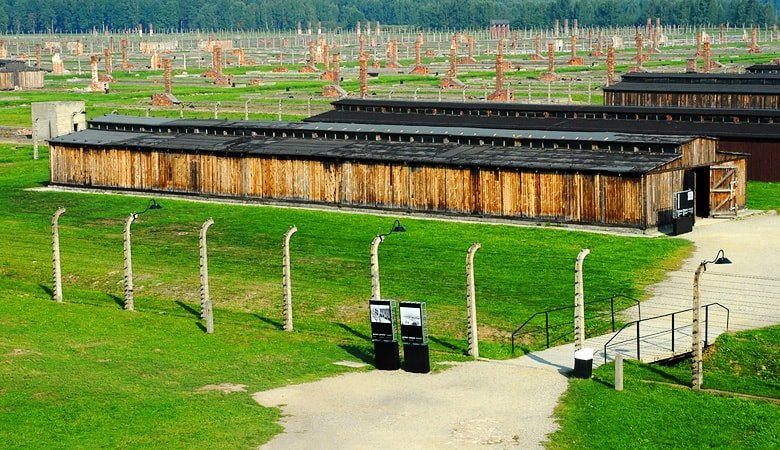Auschwitz & Krakow <span> 1 day tour from Warsaw</span> - 1 - Wroclaw Tours