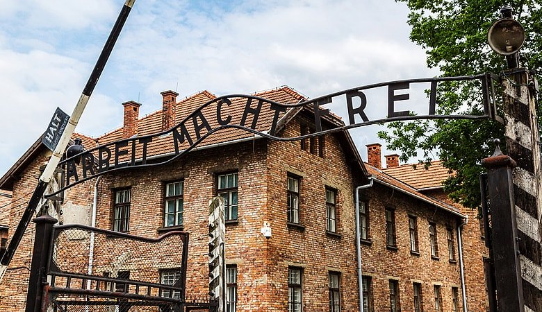 Auschwitz & Krakow <span> 1 day tour from Warsaw</span> - 6 - Wroclaw Tours