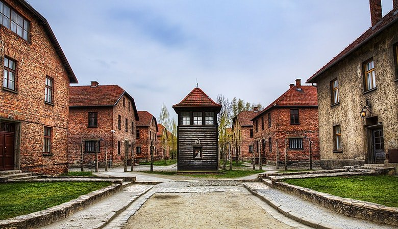 Warsaw to Auschwitz<span> 12h tour in a minivan </span> - 1 - Wroclaw Tours