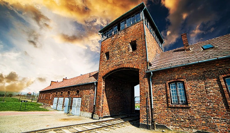 Warsaw to Auschwitz<span> 12h tour in a minivan </span> - 5 - Wroclaw Tours