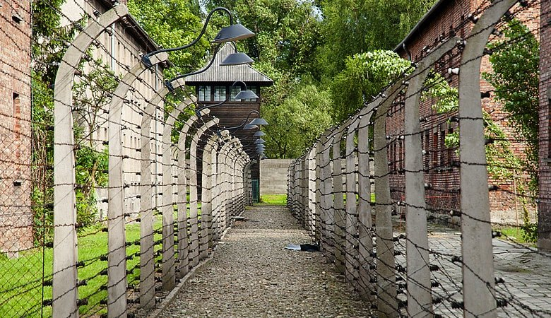 Warsaw to Auschwitz<span> 12h tour in a minivan </span> - 9 - Wroclaw Tours